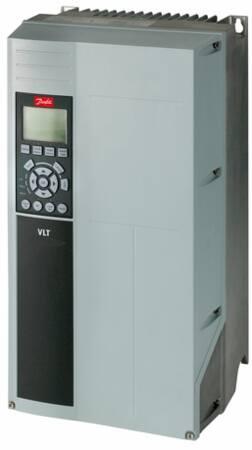 Danfoss frequentieregelaar =< 1 kv, FC102, 15kW, 3 fase, 380-480V met bedieningspaneel, EMC filter 1e omgeving, gecoate PCB, IP55